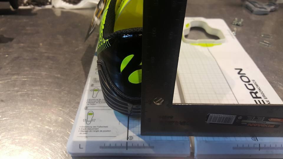 Ustawianie progów w butach rowerowych