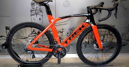 Dziś przedstawiamy film o rowerze Trek Madone SL6 model 2021