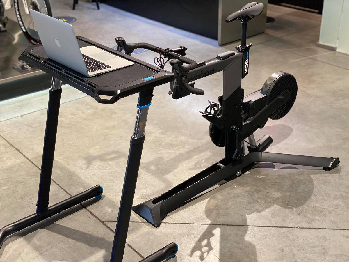 KICKR BIKE - Wahoo Fitness - Inteligentny trenażer rowerowy