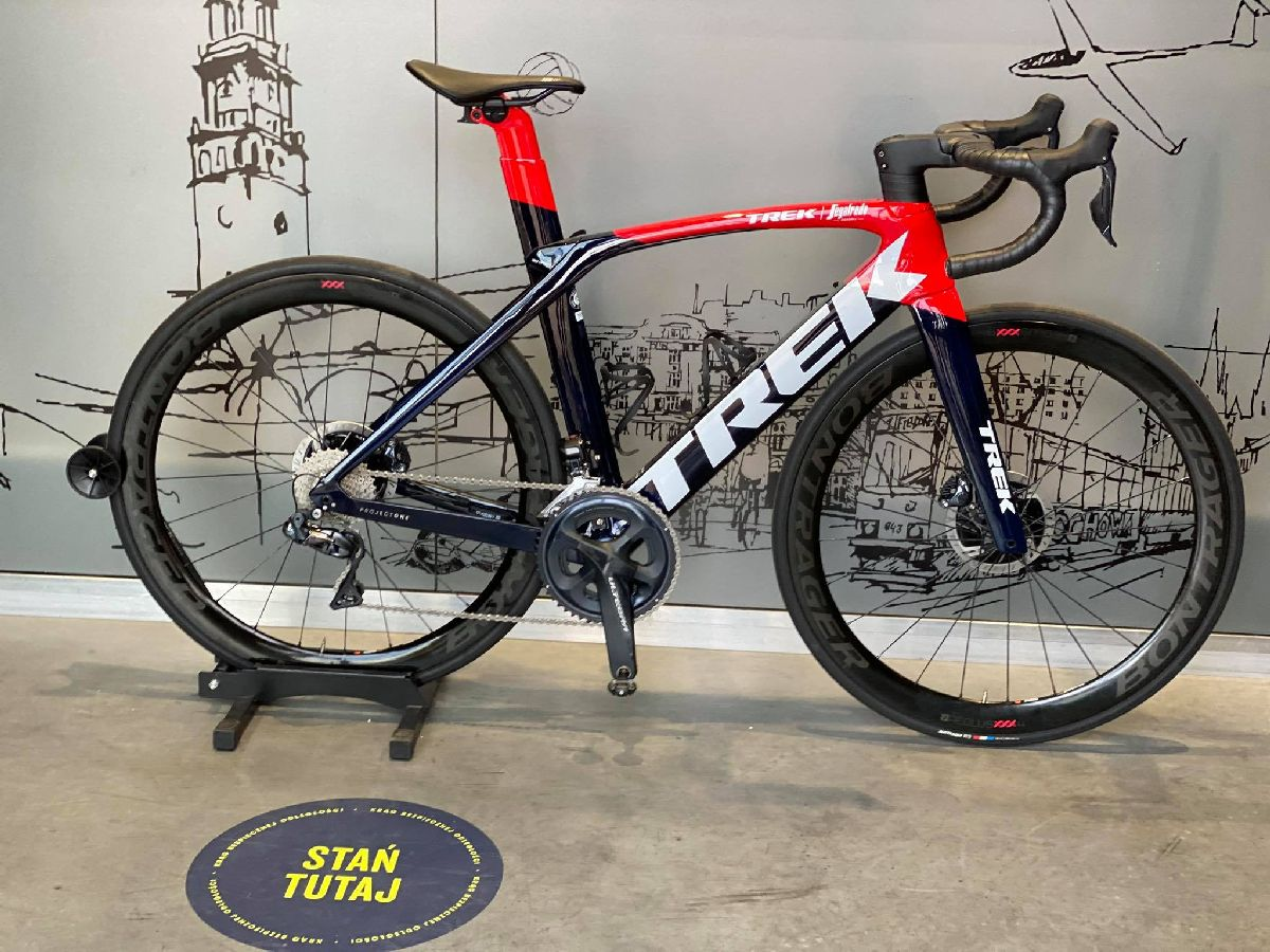 Trek Madone SLR 7 Force eTap Project One
